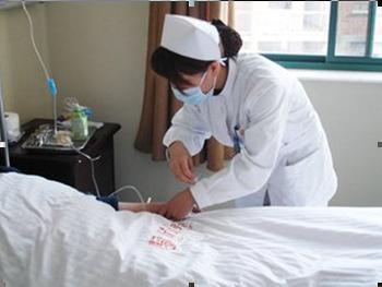 在很多人做爱,性感医院的女护士是非常特殊的v性感工作者.熟男科妇看来图片